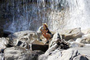 Titania Corre, voyager avec son chien-loup, road-trip en Espagne