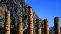 Temple d'Apollon à Delphes (Grèce) lors de notre road-tripa utour de l'Europe sauvage et mythologique